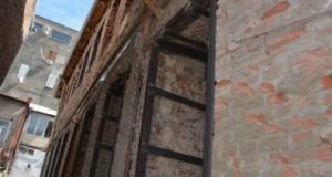 ძველ თბილისში ავარიული სახლების კაპიტალური შეკეთება მიმდინარეობს
