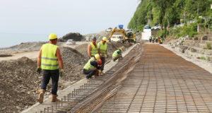 სარფის სანაპირო ზოლზე გზის გამაგრების სამუშაოები მიმდინარეობს