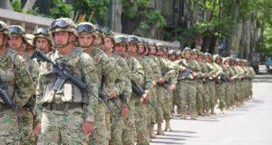 სავალდებულო სამხედრო სამსახური უქმდება – ჯარში მხოლოდ დაქირავებულები იქნებიან