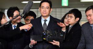 Reuters: Samsung Group-ის ხელმძღვანელი 7 კვ.მ ფართობის საკანში იმყოფება