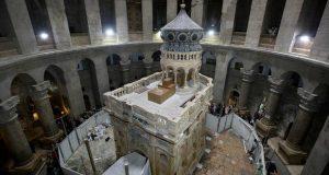 იერუსალიმში მაცხოვრის საფლავის ფილა შეიცვალა