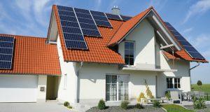 სახლის სახურავებზე მზის პანელების მასობრივი დამონტაჟება იწყება