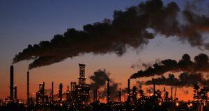 რატომ არ აზიანებს ნავთობზე ფასების შემცირება ბაზარს