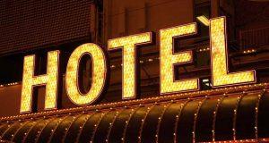 სასტუმროების 99.5% კერძო, ხოლო 0.5% – სახელმწიფო საკუთრებაშია