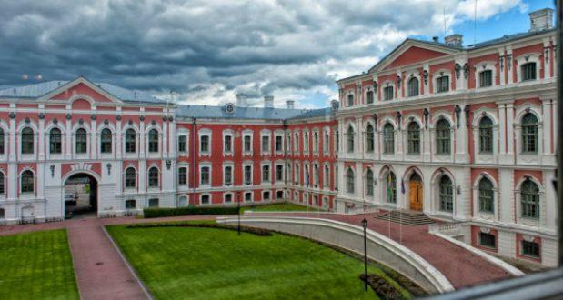 ლატვიაში კერძო უნივერსიტეტებსა და კოლეჯებში რუსულ ენაზე სწავლება აიკრძალა