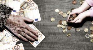 დაგროვებითი პენსიის შესახებ კანონი მიღებულია - უზრუნველი სიბერის გარანტი თუ გაუთვლელი რისკი