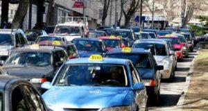 ტაქსისთვის ქალაქში პარკინგის ადგილები უფასოდ გამოიყოფა, მძღოლებს ტაქსის მანათობელ ნიშანსაც მერია დაურიგებს